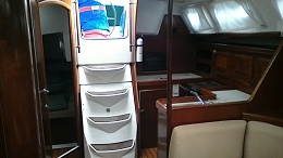 Click image for larger version  Name:Companionway.jpg Views:360 Size:257.9 KB ID:123730