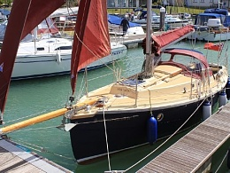 Click image for larger version  Name:Cornish Crabber 2001 Bowsprit dock.jpg Views:214 Size:70.5 KB ID:123841