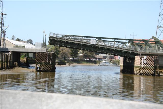 Click image for larger version  Name:Petaluma D St. Bridge Raising (Small).jpg Views:437 Size:50.6 KB ID:124
