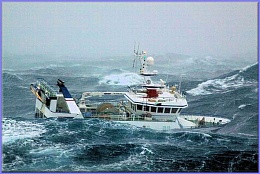Click image for larger version  Name:fishing_ship_caught_in_the_middle_of_storm_08.jpg Views:121 Size:77.9 KB ID:124409
