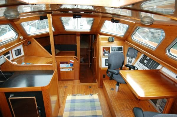 Click image for larger version  Name:ywpilothouse.jpg Views:52 Size:55.8 KB ID:124567