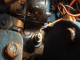 Click image for larger version  Name:diesel fuel leak.jpg Views:220 Size:317.0 KB ID:125054