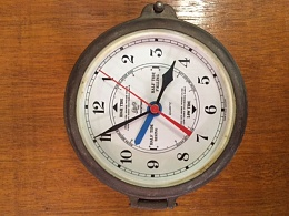 Click image for larger version  Name:clock front.jpg Views:129 Size:119.1 KB ID:125234