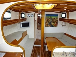 Click image for larger version  Name:Cape George 36 1975 $100k Saloon fwd.jpg Views:776 Size:53.0 KB ID:126408