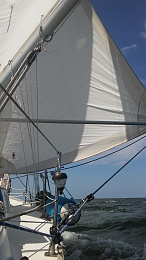 Click image for larger version  Name:Genoa & whisker pole.jpg Views:506 Size:400.5 KB ID:126649
