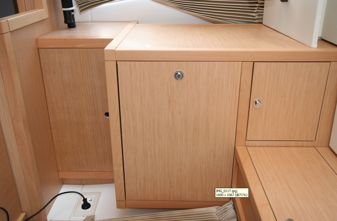 Click image for larger version  Name:Cupboard2.jpg Views:156 Size:186.8 KB ID:130064