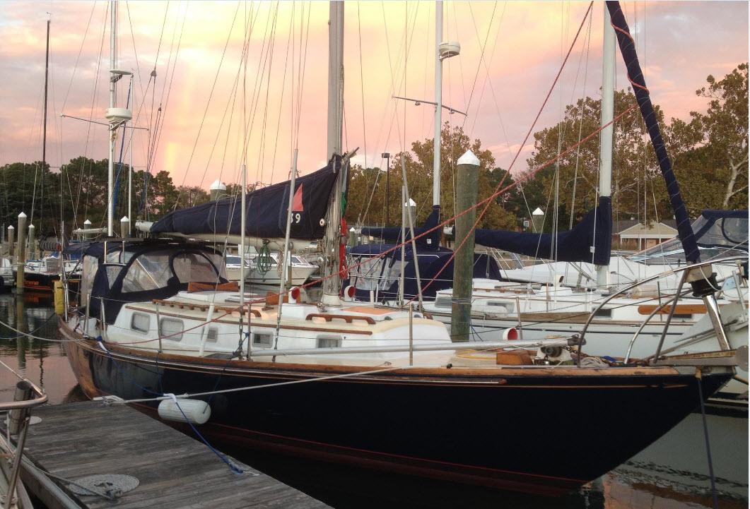 Click image for larger version  Name:Luna Blu in slip in Hampton VA.jpg Views:87 Size:195.7 KB ID:131421
