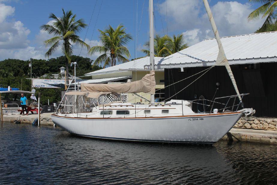 Boats with Shallow Draft for Florida, Bahamas, Chesapeake - Cruisers