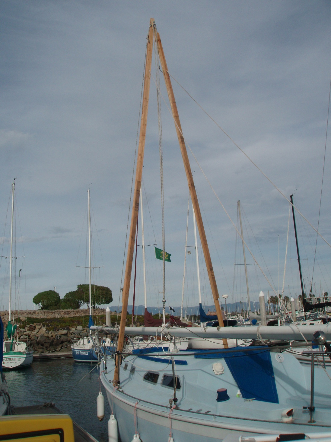 Mast Stepping at the Dock - Page 2 - Cruisers & Sailing Forums