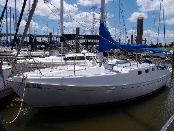 Click image for larger version  Name:1974_islander_33_raised_deck_sailboat.jpg Views:407 Size:57.9 KB ID:135894