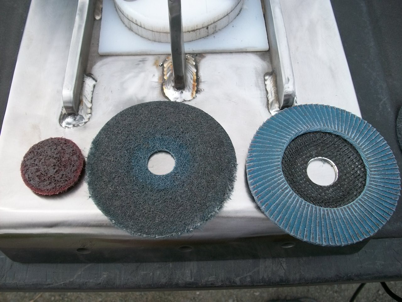 Click image for larger version  Name:Buffing wheels-1.jpg Views:90 Size:296.5 KB ID:14014