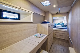 Click image for larger version  Name:25-L40-Interior-3.jpg Views:623 Size:173.4 KB ID:141776