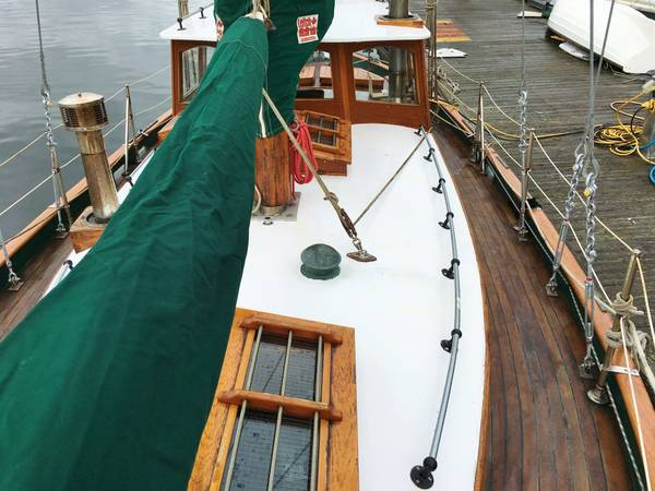 Click image for larger version  Name:Wood French Cutter 31ft 1925 deck.jpg Views:76 Size:45.9 KB ID:145627