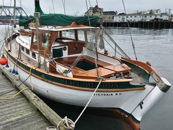 Click image for larger version  Name:Wood French 31ft 1925 stern.jpg Views:81 Size:56.4 KB ID:145628