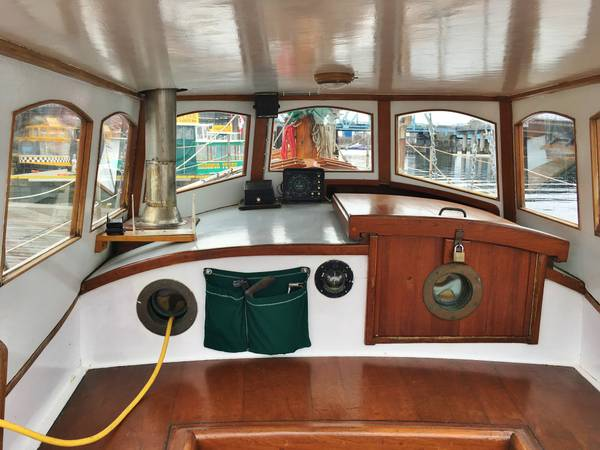 Click image for larger version  Name:Wood French Cutter 31ft 1925 Dodger interior.jpg Views:75 Size:42.0 KB ID:145629