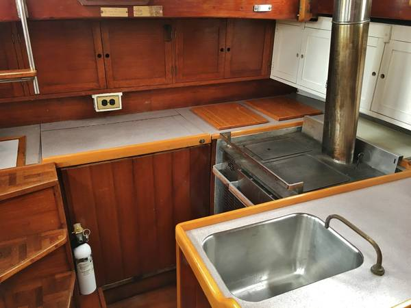 Click image for larger version  Name:Wood French Cutter 31ft 1925 galley.jpg Views:77 Size:34.0 KB ID:145630