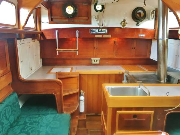 Click image for larger version  Name:Wood French Cutter 31ft 1925 saloon aft.jpg Views:79 Size:36.8 KB ID:145632