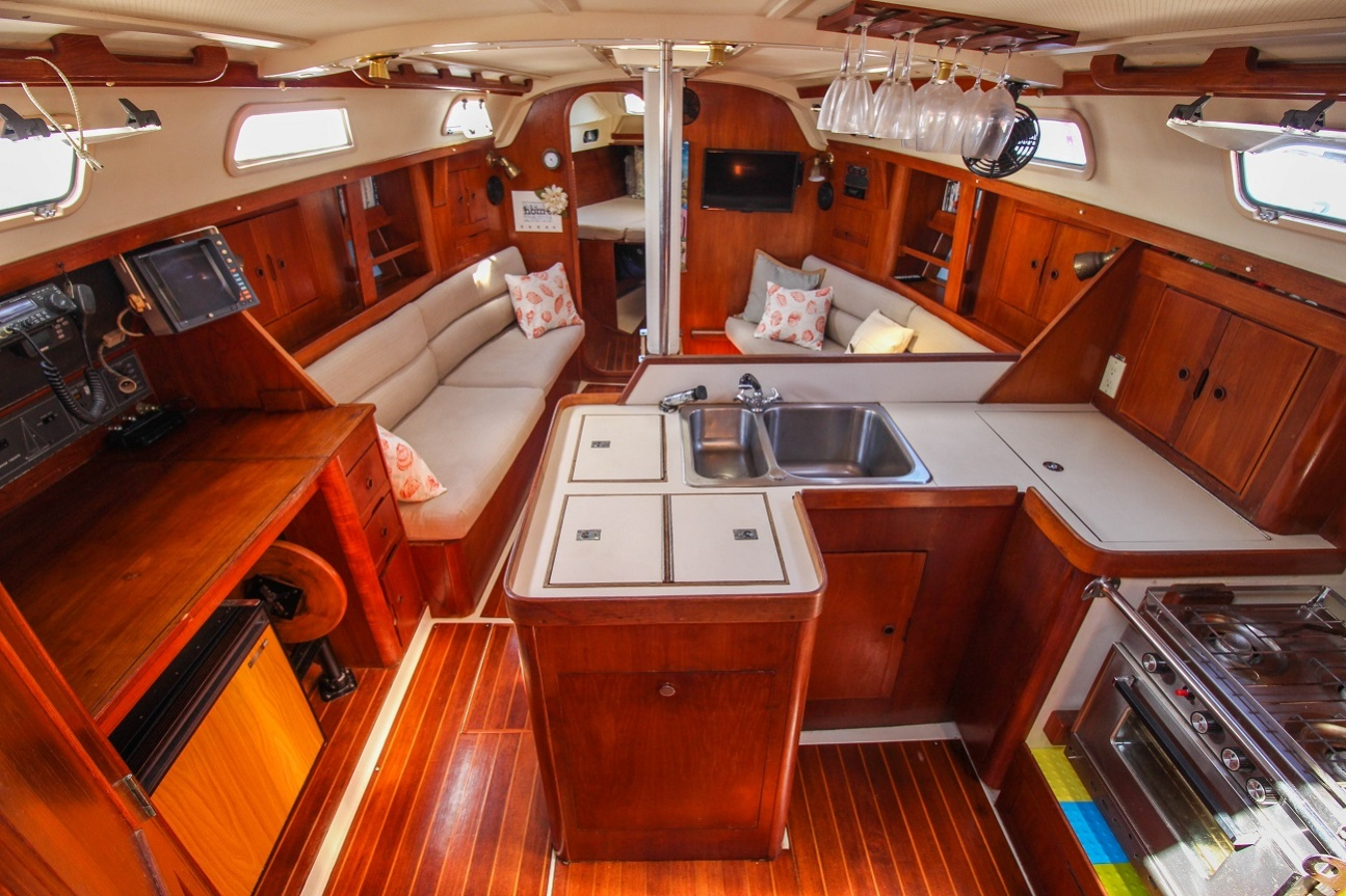 Click image for larger version  Name:ainside boat pic-11.jpg Views:286 Size:391.9 KB ID:149161