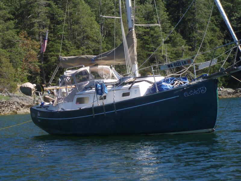 Click image for larger version  Name:Flicka 20 1983 dark hull cruising.jpg Views:168 Size:96.1 KB ID:150457