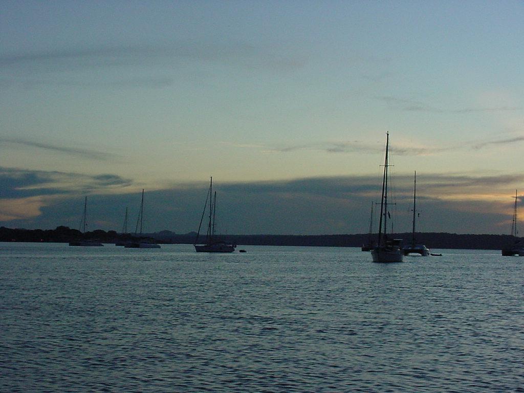 Click image for larger version  Name:Por-do-sol rio tapajos 04 veleiros.JPG Views:24 Size:129.5 KB ID:155498