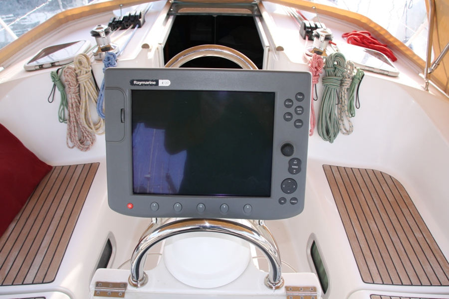 Radar and AIS for Raymarine C120 - Cruisers & Sailing Forums
