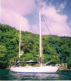 Click image for larger version  Name:White Bean at anchor Caribbean.jpg Views:674 Size:294.3 KB ID:158787