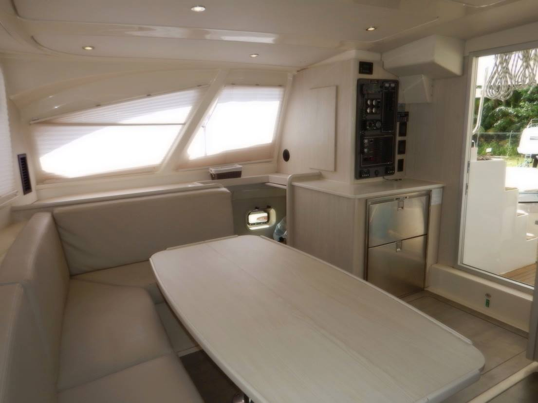 Click image for larger version  Name:Main Saloon & Galley (1).jpg Views:595 Size:54.8 KB ID:160328