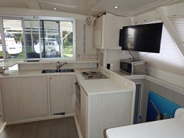 Click image for larger version  Name:Main Saloon & Galley (9).jpg Views:693 Size:66.7 KB ID:160330