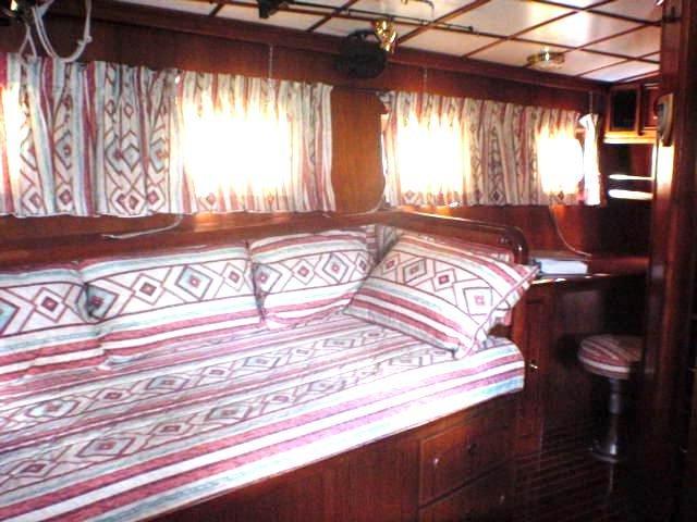 Click image for larger version  Name:2 Stargazer Master Cabin Lounge.jpg Views:79 Size:59.5 KB ID:161001