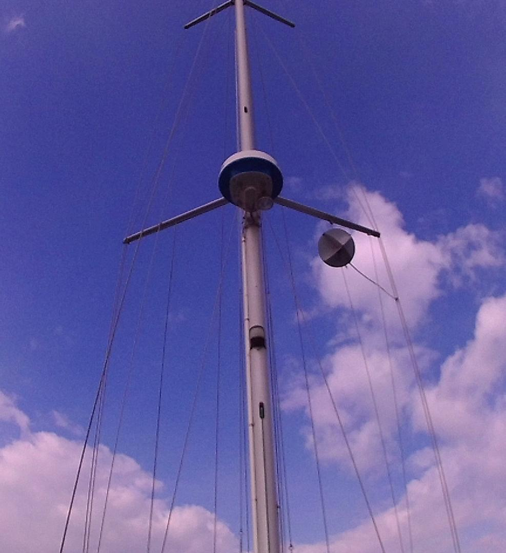 Click image for larger version  Name:Hawkeye - mast.jpg Views:127 Size:85.8 KB ID:164027