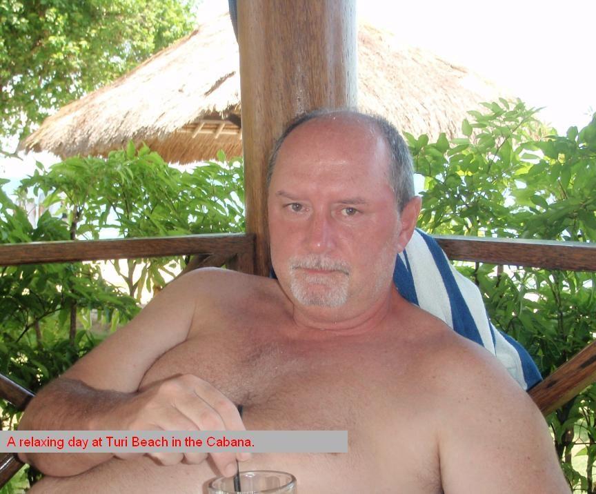 Click image for larger version  Name:Saturday cabana.jpg Views:102 Size:135.3 KB ID:16575