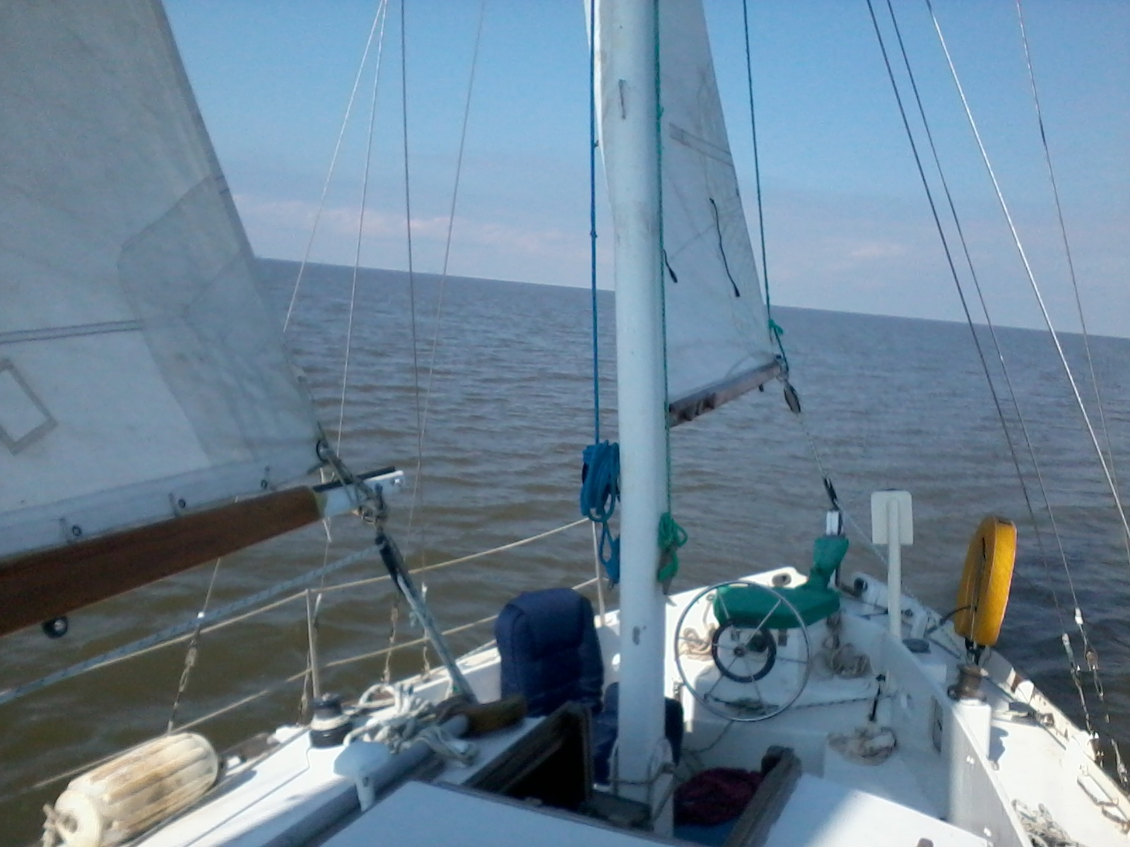 Click image for larger version  Name:Sailing Self Tailing holding course setting rigging after leaving GSYW.jpg Views:35 Size:385.5 KB ID:168942
