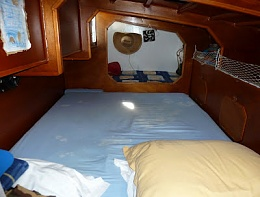 Click image for larger version  Name:aft cabin double berth.jpg Views:486 Size:33.6 KB ID:175581