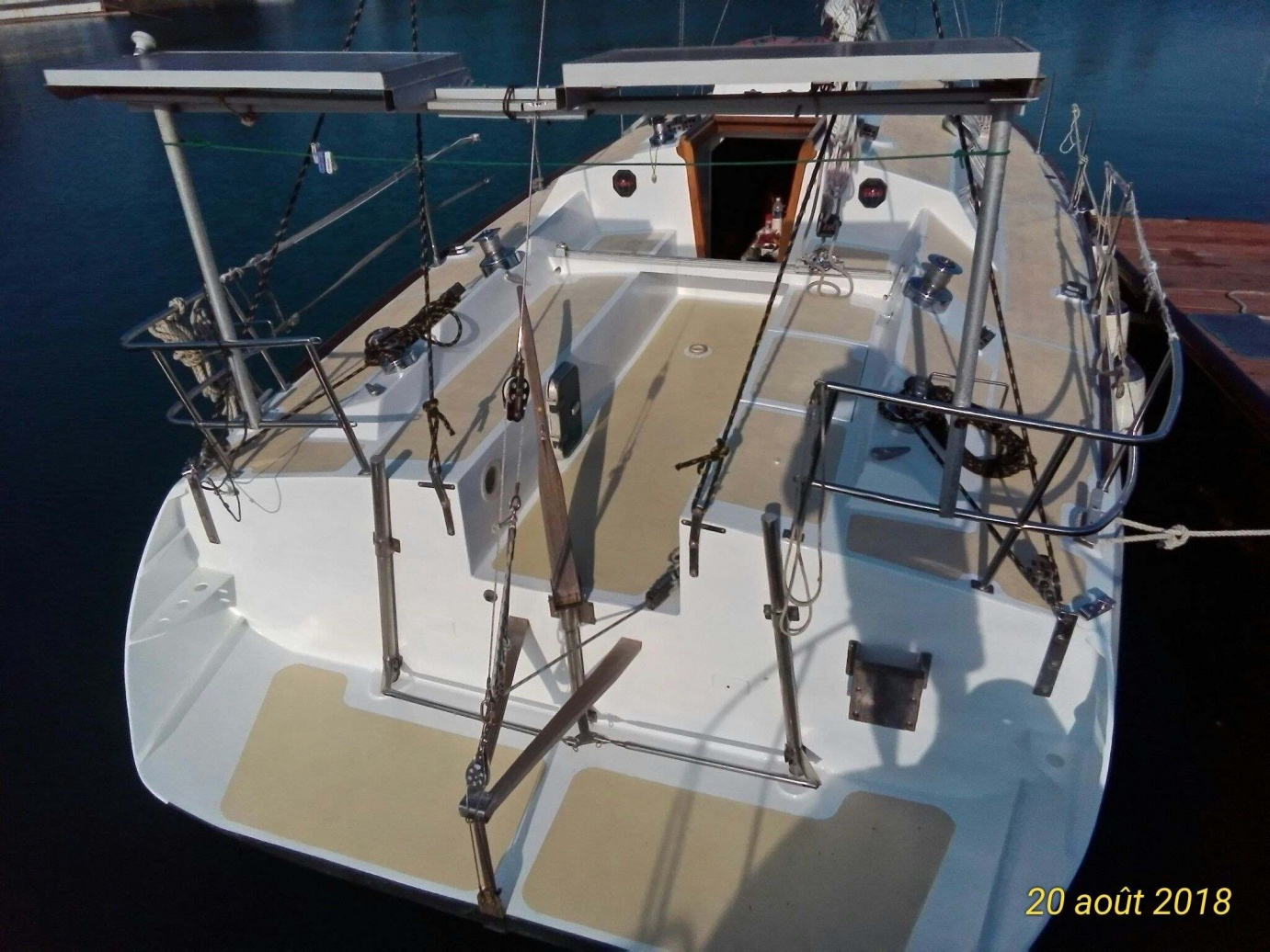Click image for larger version  Name:deck aft and cockpit.jpg Views:165 Size:422.2 KB ID:175861