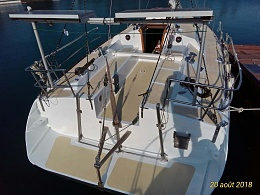 Click image for larger version  Name:deck aft and cockpit.jpg Views:420 Size:422.2 KB ID:175861