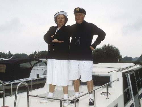 Click image for larger version  Name:yachting attire.jpg Views:33 Size:49.9 KB ID:176190