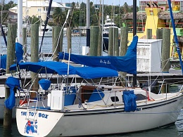Click image for larger version  Name:Boat at DOCK P7210079R.JPG Views:88 Size:122.7 KB ID:17809