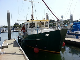 Click image for larger version  Name:leaving berth.jpg Views:94 Size:417.7 KB ID:178711