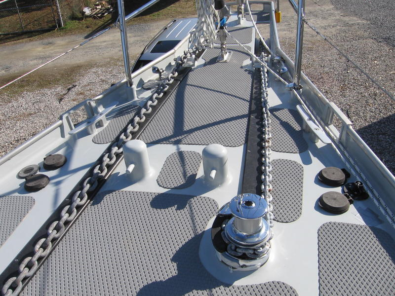 Click image for larger version  Name:Aluminum 53 Foredeck.jpg Views:53 Size:127.4 KB ID:178990