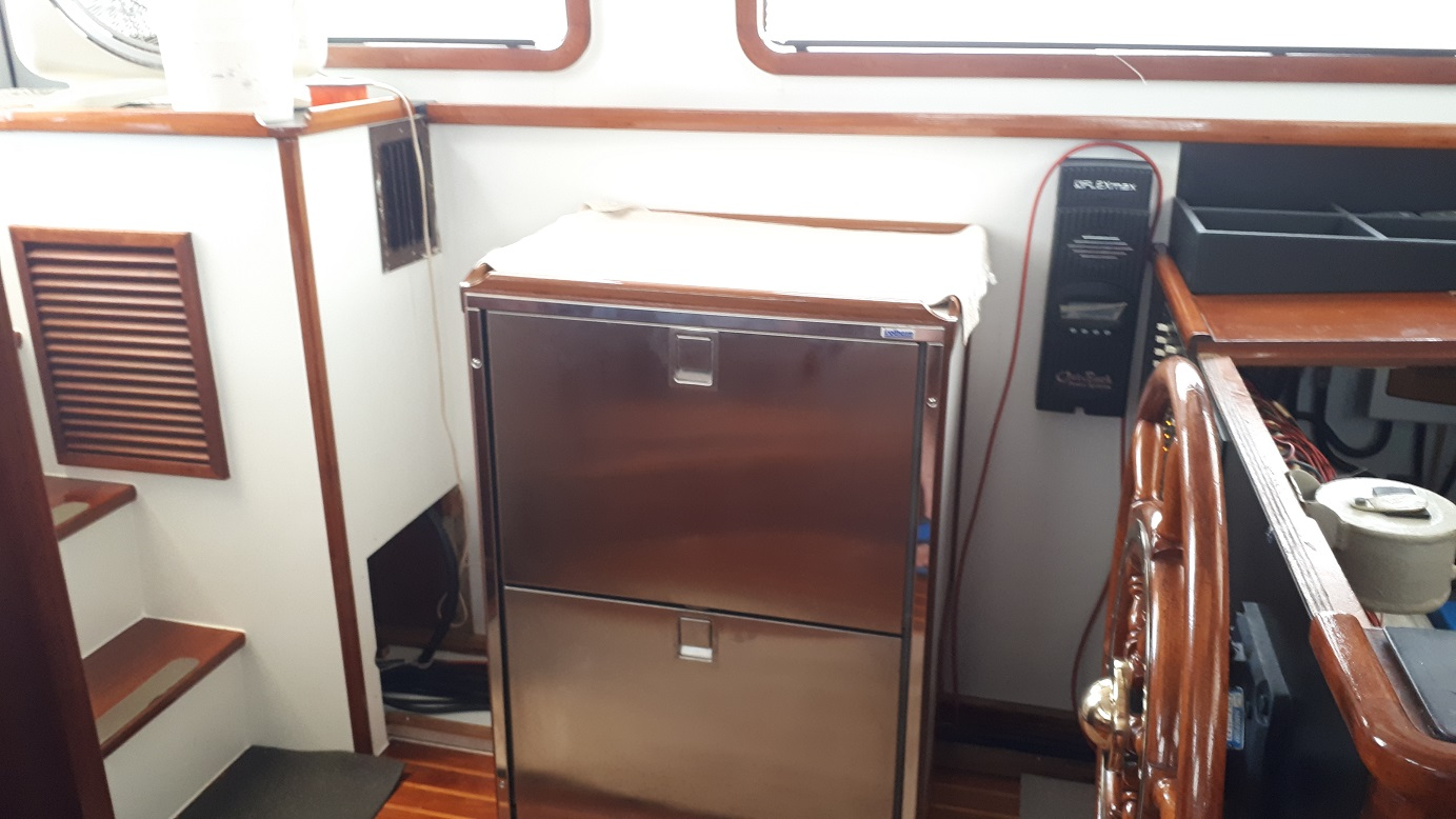 Click image for larger version  Name:1 2b Port Pilothouse .jpg Views:14 Size:247.6 KB ID:180324