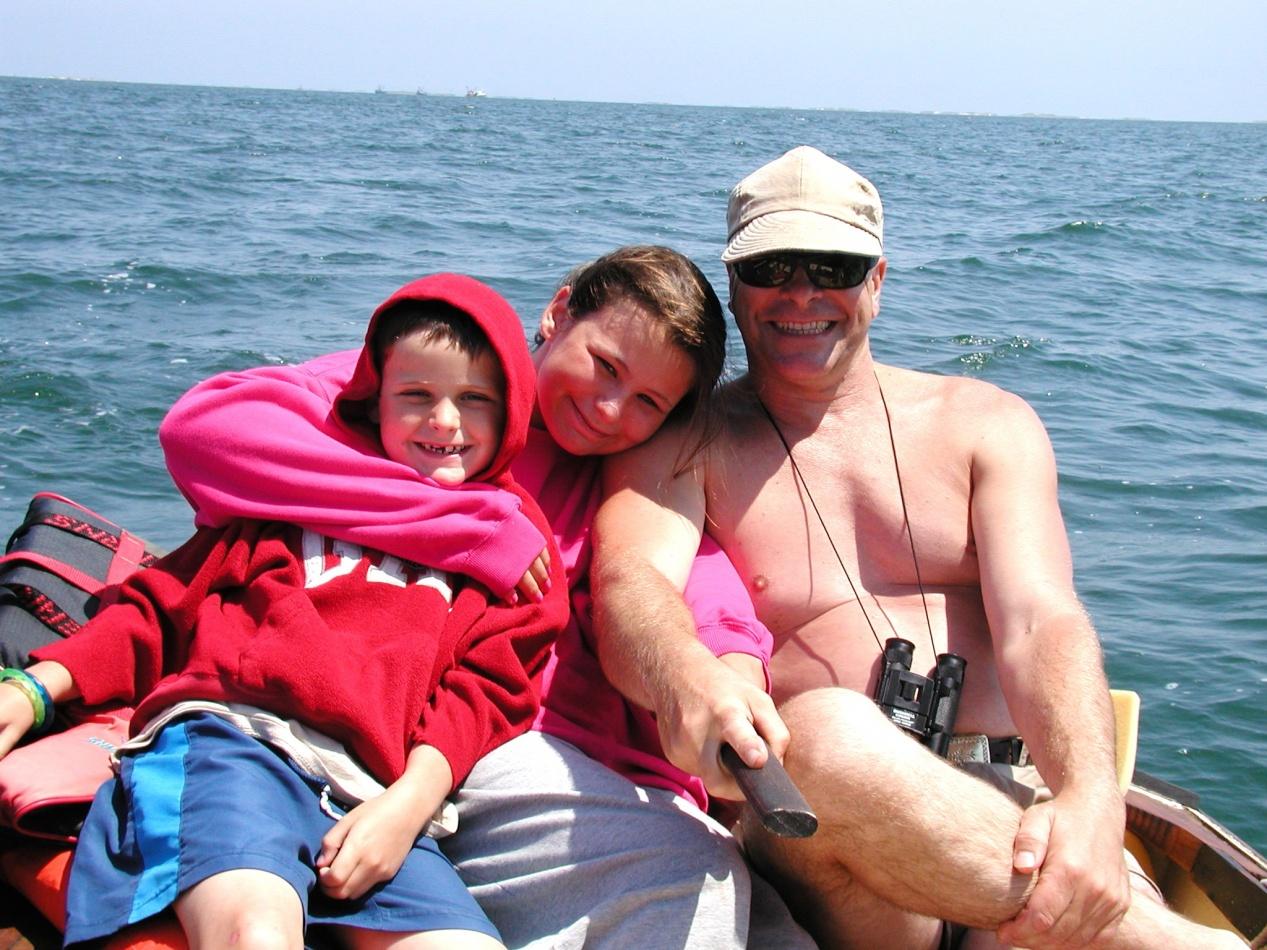 Click image for larger version  Name:Dad sailig kids 05'.jpg Views:75 Size:440.2 KB ID:18130