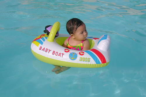 Click image for larger version  Name:baby Sailing.jpg Views:72 Size:87.7 KB ID:18149