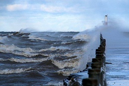 Click image for larger version  Name:waves.jpg Views:141 Size:57.7 KB ID:181534