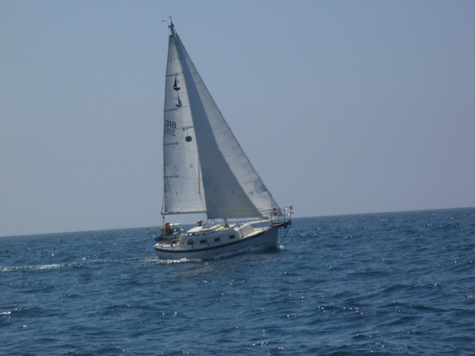 Click image for larger version  Name:ET sailing (1).jpg Views:129 Size:325.5 KB ID:183230