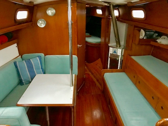 Click image for larger version  Name:interior main cabin.jpg Views:138 Size:70.6 KB ID:183312