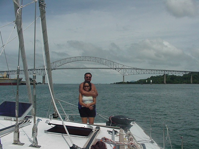 Click image for larger version  Name:Bridge of the Americas - Couple.JPG Views:106 Size:70.6 KB ID:18414
