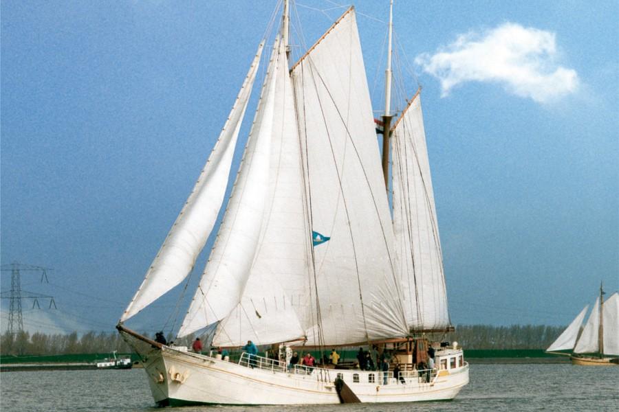 Click image for larger version  Name:Klipper-Antoinette-R.jpg Views:168 Size:122.6 KB ID:184323