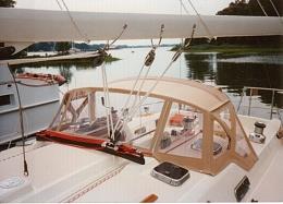 Click image for larger version  Name:sailboat_dodger.jpg Views:50 Size:52.0 KB ID:186232