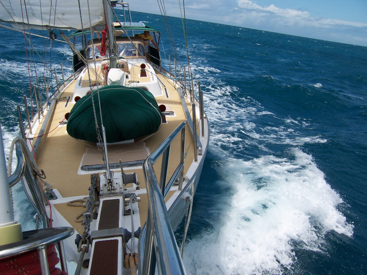 Click image for larger version  Name:Bowsprit under sail.jpg Views:266 Size:439.3 KB ID:189718