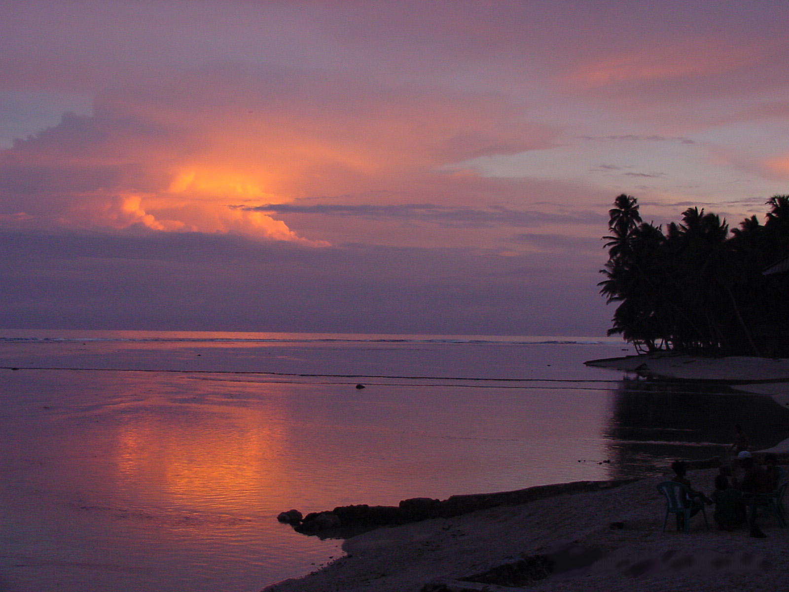 Click image for larger version  Name:Sunset.jpg Views:256 Size:187.1 KB ID:19038